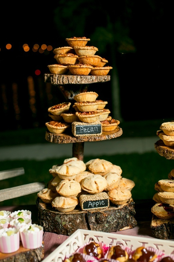 Serve pies at a July 4th Wedding instead of cake!